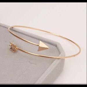 5/$12 💞 Gold Arrow Bangle Bracelet